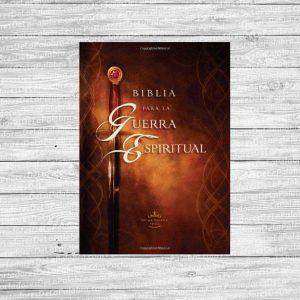 Biblia para la Guerra Espiritual Tapa Dura Versión 1960
